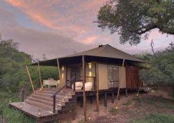 Suedafrika-Kruger-Ngala-Tented-Camp-Aussenansicht