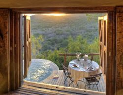 Suedafrika-KwaZulu-Phinda-Rock-Terrasse-Ausblick